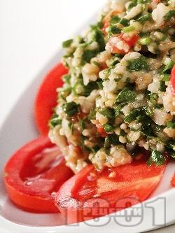 Табуле - магданозена салата с домати и булгур - снимка на рецептата